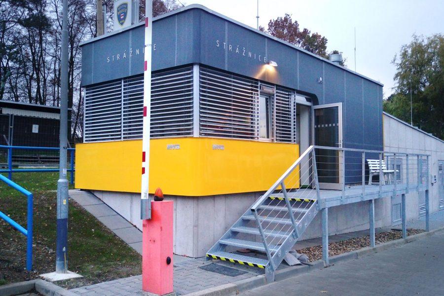 Strážnice s trafostanicí na Brněnské přehradě